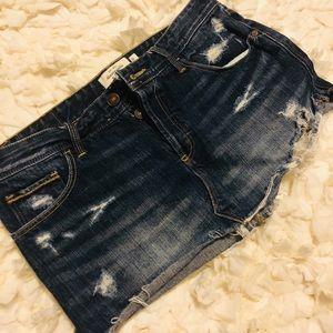 Abercrombie distressed skirt